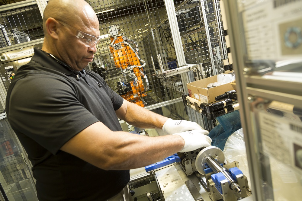 Dallas Fed Texas Manufacturing Activity Continues To Expand